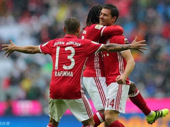 里贝里3助攻莱万阿隆索破门 拜仁3-1逆转