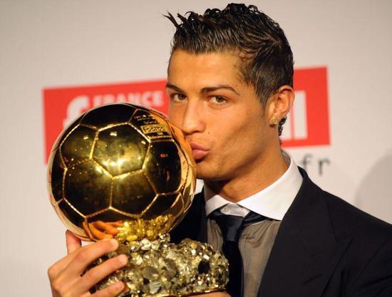 C罗2008年领取老的欧洲金球奖