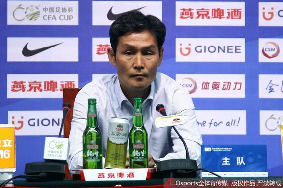 崔龙洙:队员用精神赢下比赛 恒大强但我们有梦想