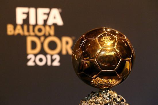 FIFA金球奖的奖杯