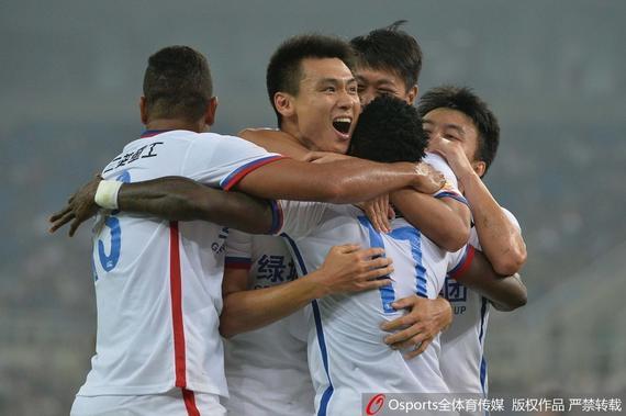 中超-吕征传射马丁斯建功 申花3-1客胜泰达居第3
