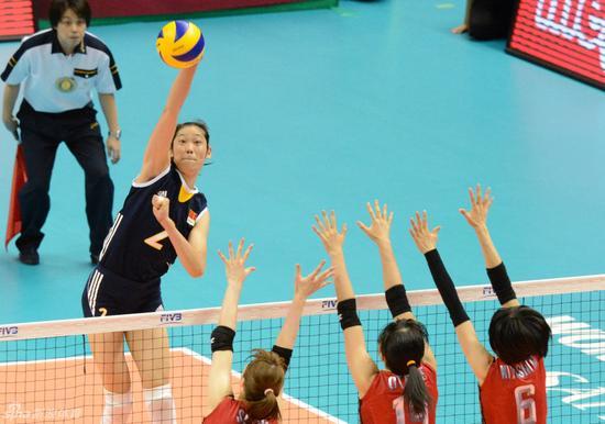 2013年世界女排大奖赛朱婷以一敌三