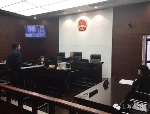 申花球迷毁上港大巴被判拘5个月 3度折返喷脏字