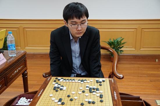 朴廷桓赢下关键的第三局