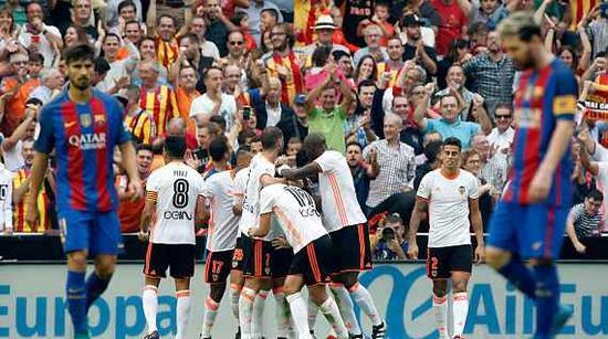瓦伦西亚庆祝进球