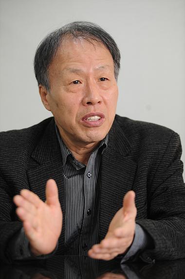 韩国著名围棋观战记者朴治文担任的韩国棋院常任副总裁职位废止