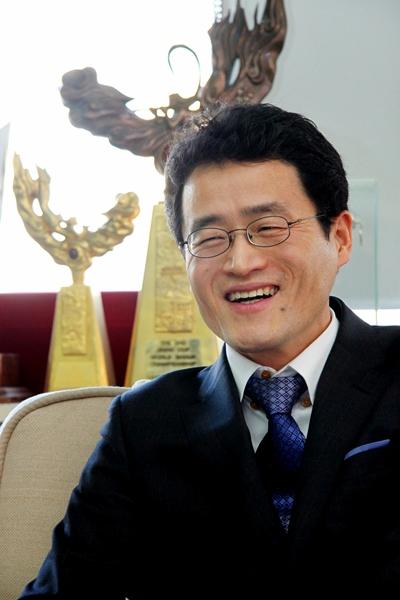 原韩国棋院事务总长梁宰豪今年4月辞职