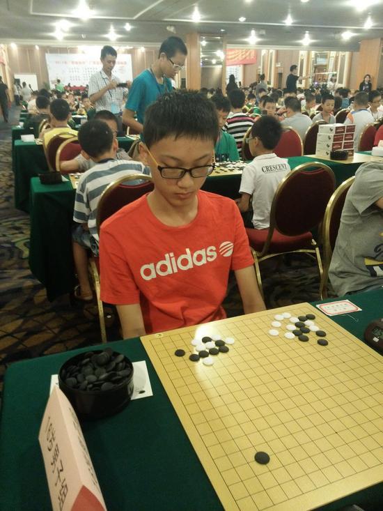 2015广东省赛在汕头举行,蔡建鹏弟子吴梓龙5段夺冠
