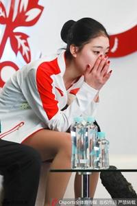 花滑中国杯女单俄美女封后 李子君失误排名第八
