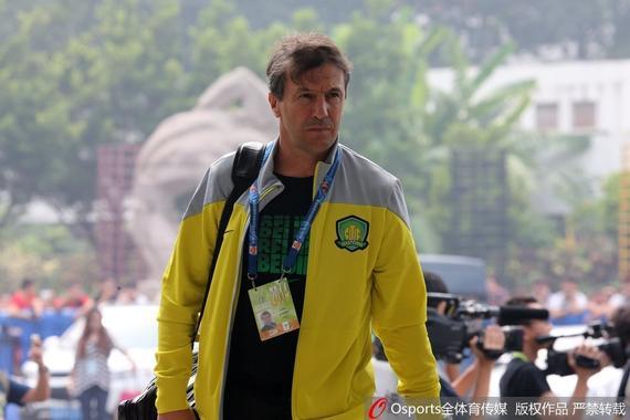 何塞曾在北京与国安球员小聚 告诉张呈栋要留队