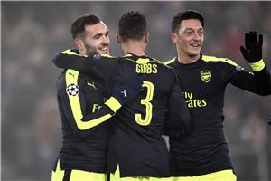 欧冠-1700万镑新援3球 阿森纳4-1力压巴黎夺头名