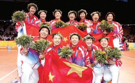 第七冠:2004年雅典奧運會,中國女排20年后再次站上奧運最高領奬台