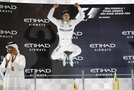 在阿布扎比,罗斯伯格赢得了他第一个也是最后一个世界冠军