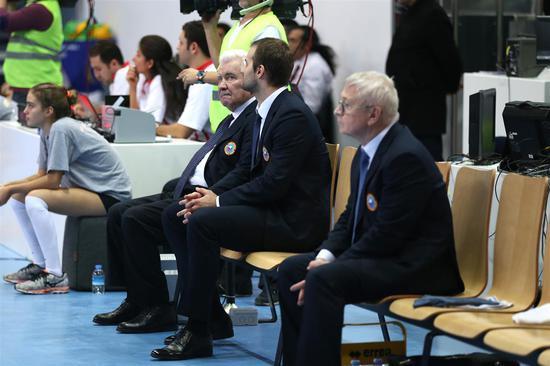 教练席上的卡尔波利与孙子