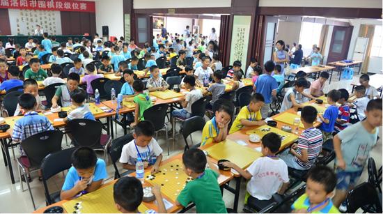 2015年8月,洛阳市围棋段级位赛现场