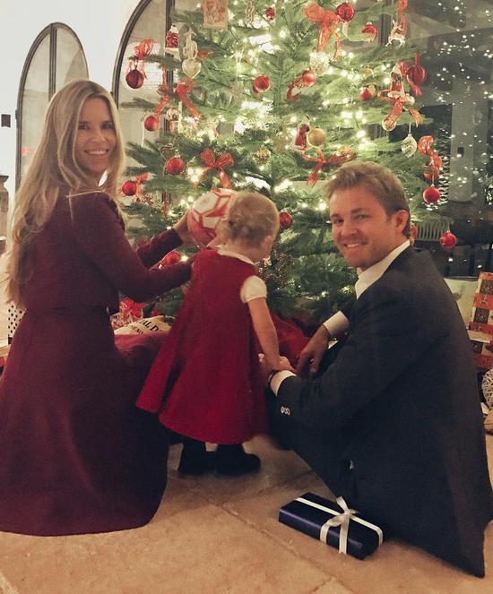 罗斯博格与妻子薇薇安以及女儿合影