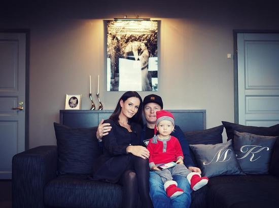 莱科宁与妻子明图、儿子罗宾