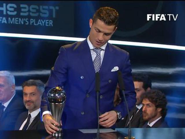 视频-2016FIFA颁奖礼 C罗压梅西格子获世界足球先生