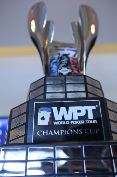 刻有WPT 世巡赛冠军姓名的WPT奖杯