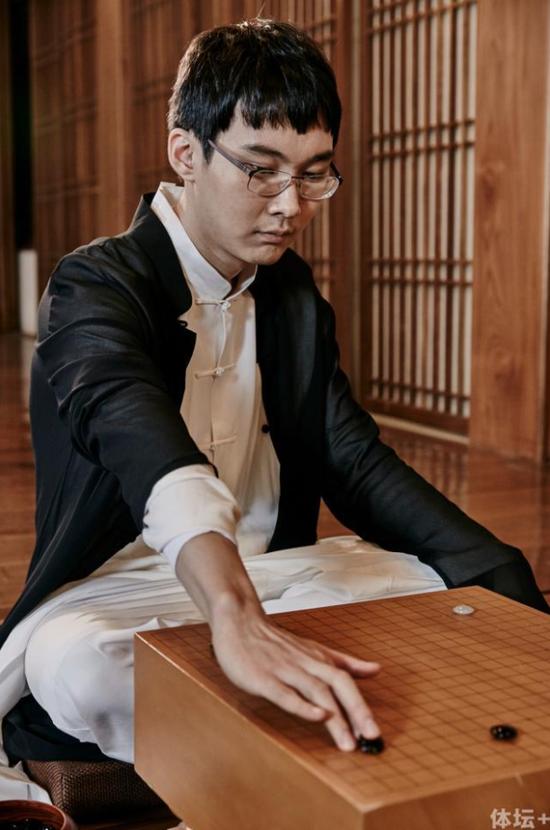 韩国外援朴廷桓九段连续三年都是围甲冠军队的重要得分手。