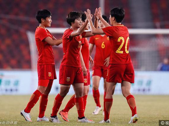 中国女足5-0全胜夺冠