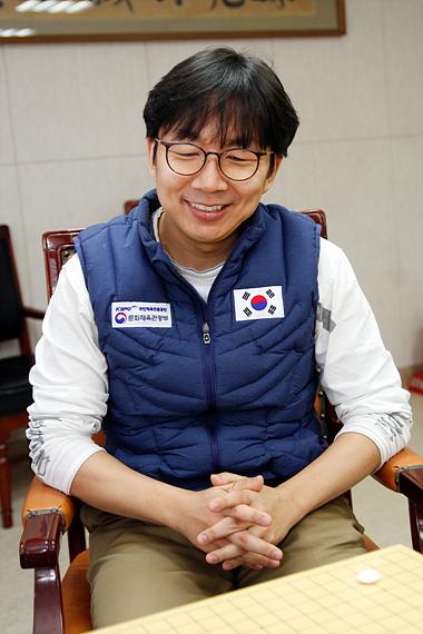 韩国国家队新任主教练睦镇硕