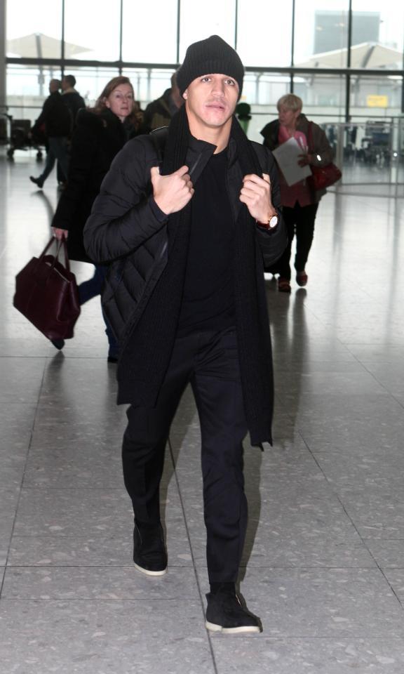兵败后,桑切斯飞离伦敦