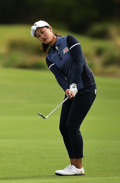 中国选手林希妤低于标准杆3杆,并列位于第16位