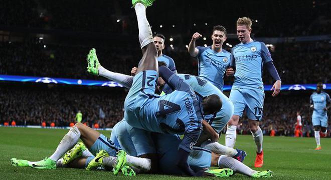 欧冠-阿圭罗2射1传 曼城5-3大逆转
