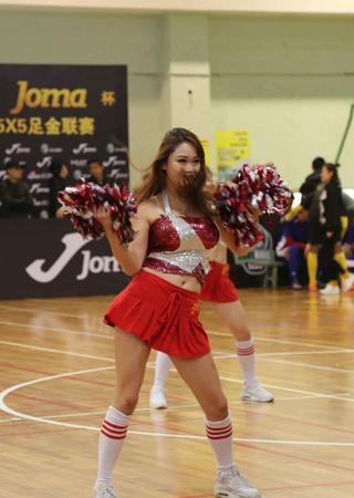 上海站啦啦队惊艳助阵