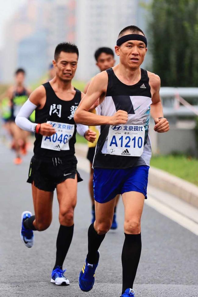 《中国马拉松·领跑者》杂志出版人、中国体育报业总社《篮球报》总编辑,资深媒体人。