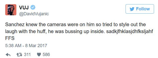 媒体和球迷对桑切斯的笑做了解读