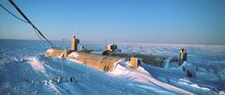 英麻醉师回忆南极科考:低温考验生存