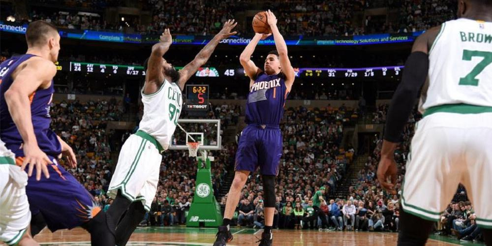 NBA-太阳队20岁超新星布克成最年轻70分先生