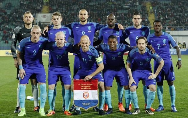 世预-罗本斯内德难救主 荷兰0-2止世预客场不败