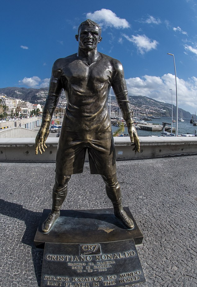 「C 朗 铜像」的圖片搜尋結果