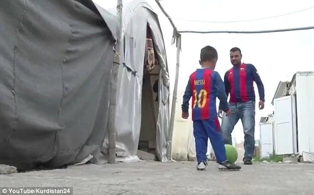 父亲试图让他重新爱上足球