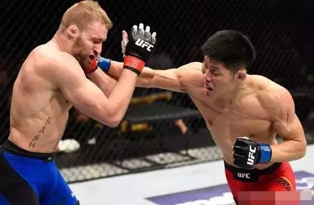 """""""吸血魔""""李景亮,截至目前UFC战绩4胜2负"""