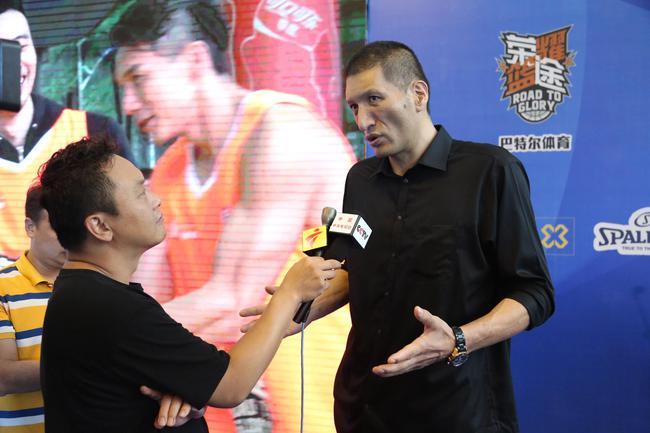 巴特尔接受中央电视台和广东电视台专访