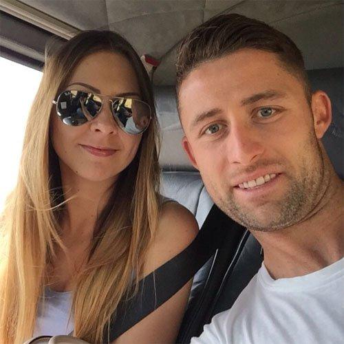 卡希尔和妻子
