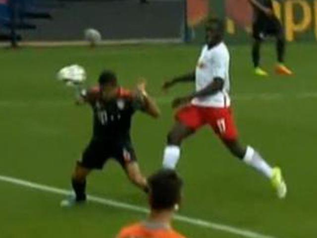 进球视频-拜仁角球再扳一城 头球接力蒂亚戈冲顶破门