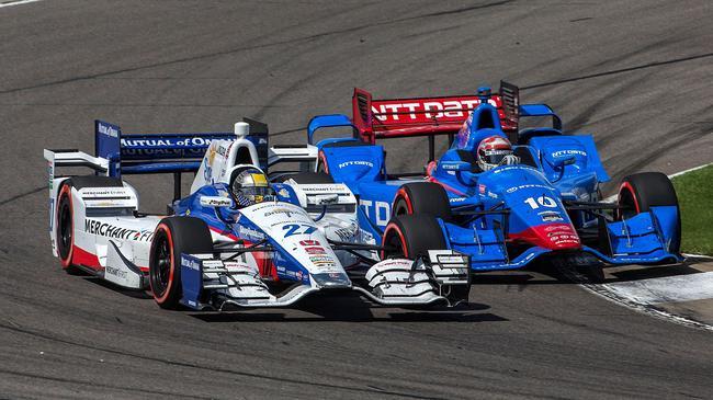 INDYCAR赛场,本田与雪佛兰展开竞争
