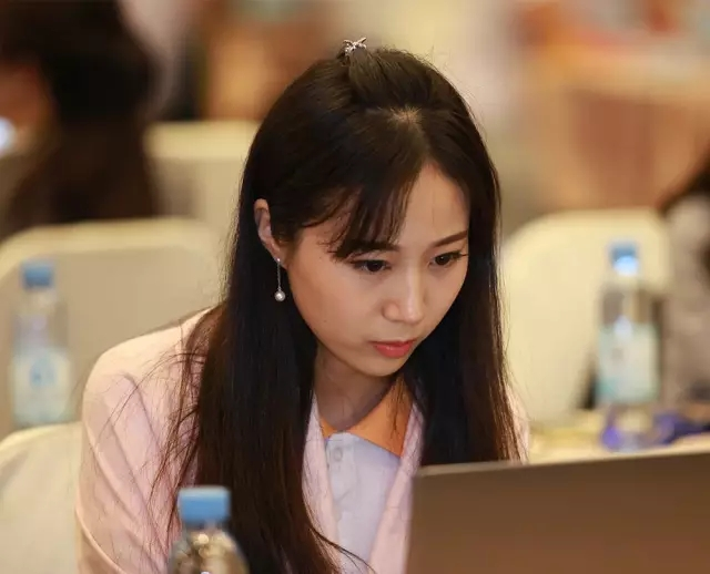 美女棋手王香如