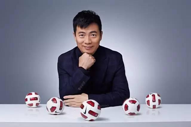 黄健翔忆高考:想踢球找不到人 一次对话改变人生