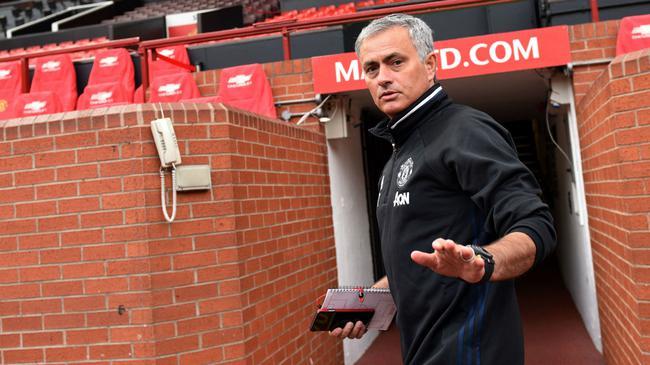 穆帅在曼联有短期夺冠的压力