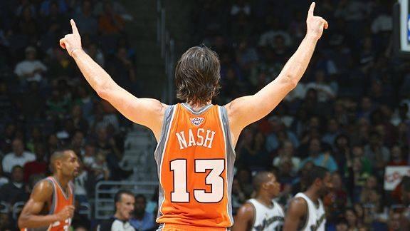 Nash偷吻杜蘭特FMVP獎盃 這一幕令多少球迷淚流滿面-Haters-黑特籃球NBA新聞影音圖片分享社區