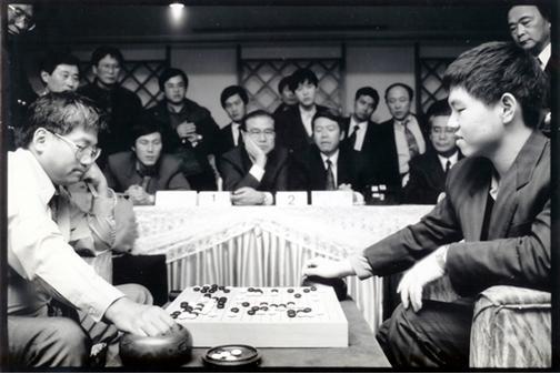16岁的李昌镐击败林海峰,夺得个人世界首冠
