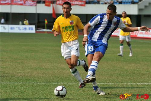2010年4月,中超第3轮,深圳红钻主场1-击败0南昌八一,提亚哥首发57分钟被换下。