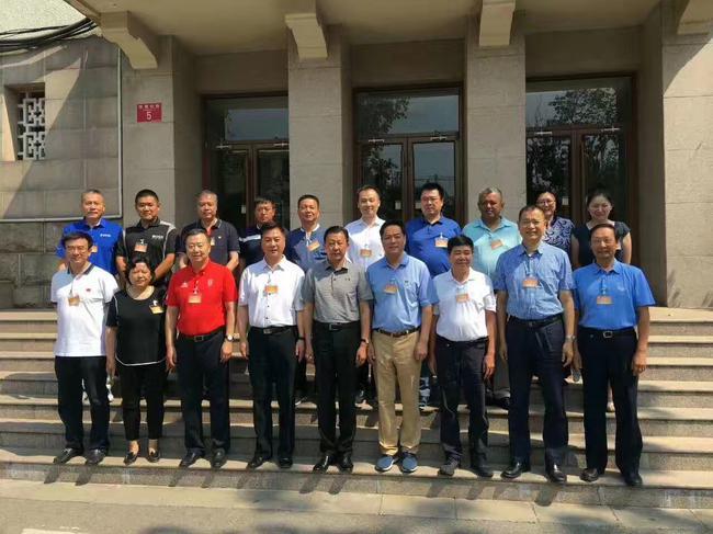 中国高尔夫球协会负责人调整 张小宁全票当选主席