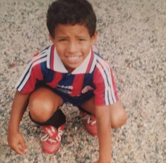 托利索发布的身穿拜仁球衣的照片